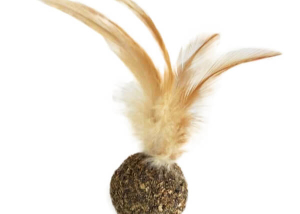 Natural Compressed Catnip-ball Toy with Feather for Cats