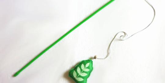 Green Leaf Cat Wand with Catnip