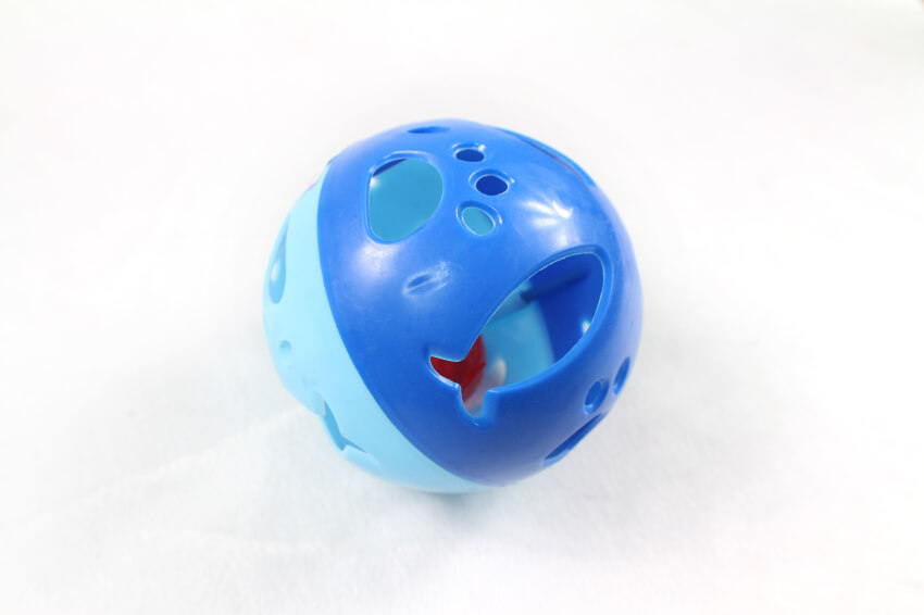 Plastic Cat Play Ball Toys w/Bell